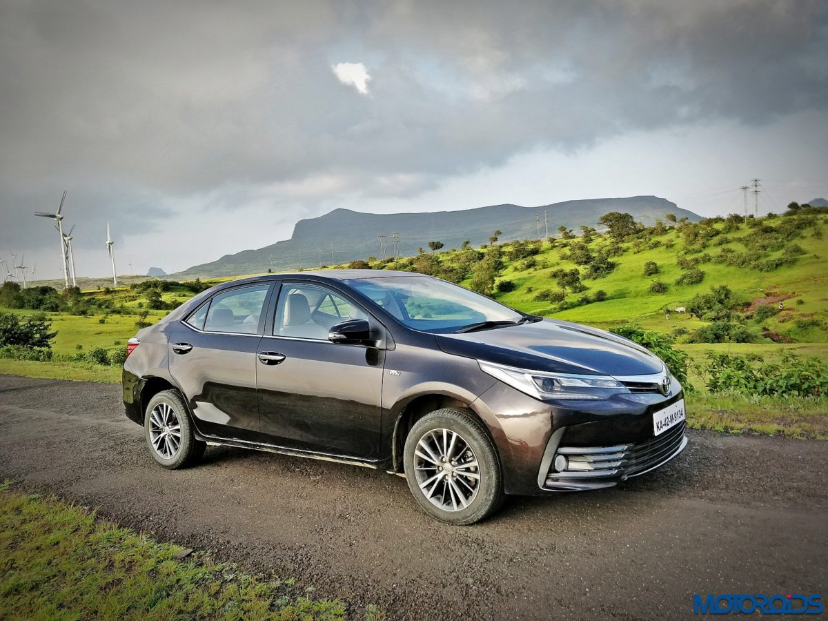 New 2017 Toyota Corolla Altis Facelift India Review front side profile