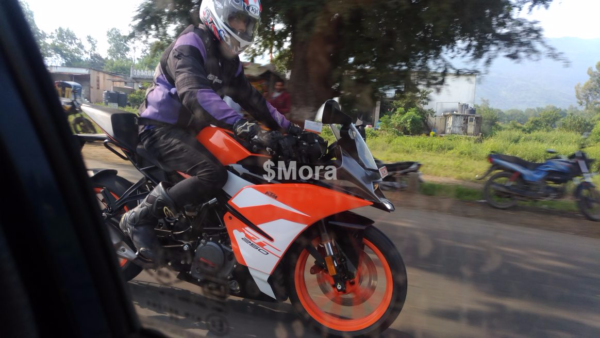 New-2018-KTM-RC-250-spied-in-India-1-600x338