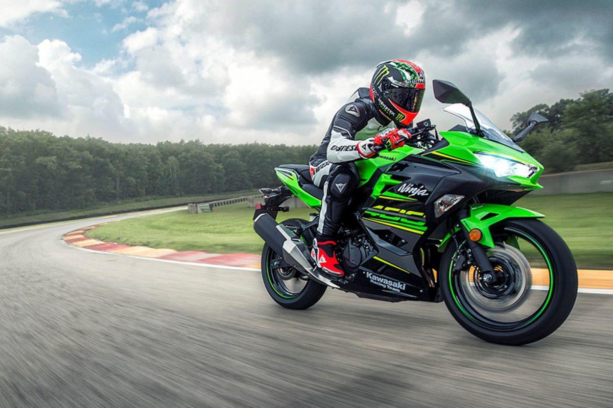 New 2018 Kawasaki Ninja 400 – Action Shots (1)