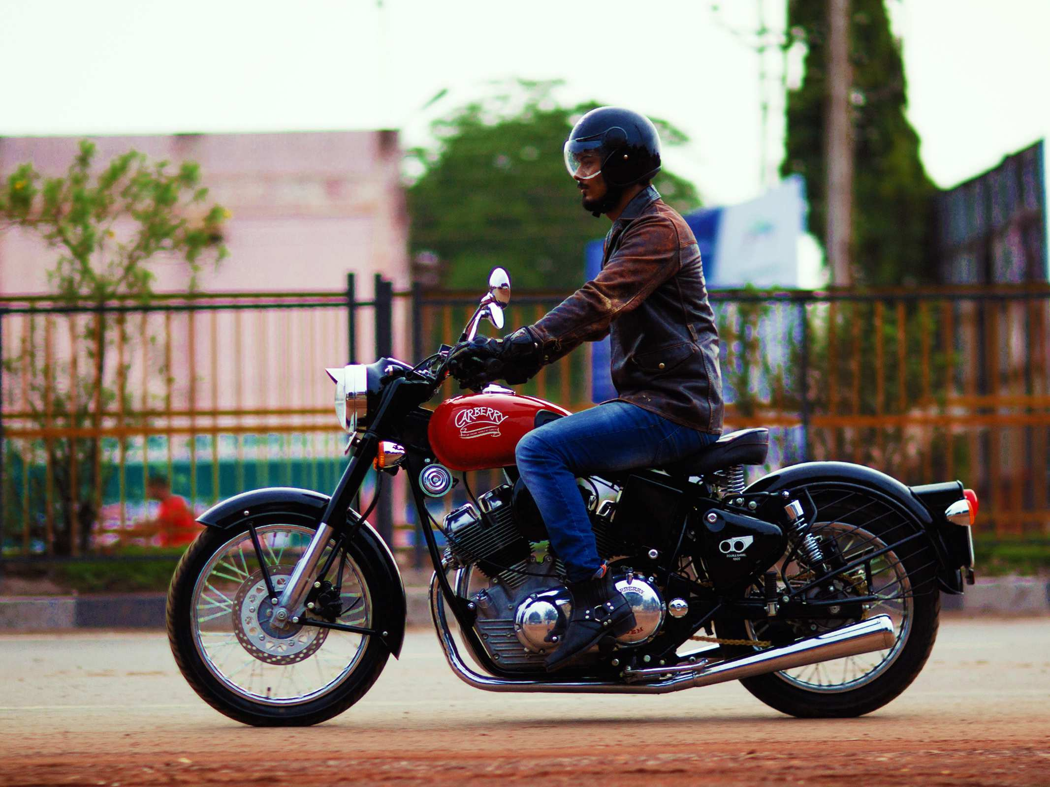 Royal-Enfield-Based-Carberry-Double-Barrel-1000-5