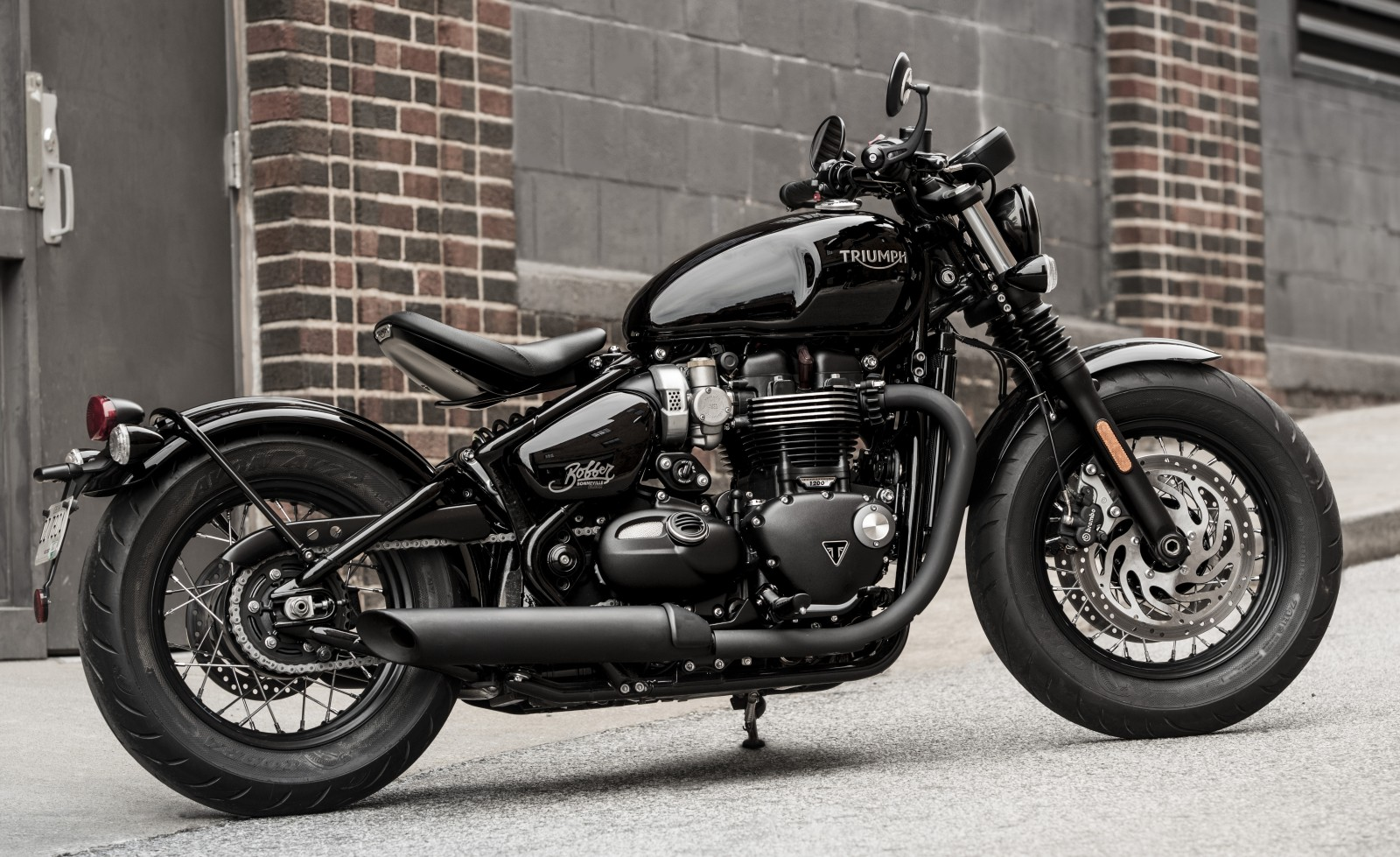 Triumph 2018 Bobber Black and Speedmaster