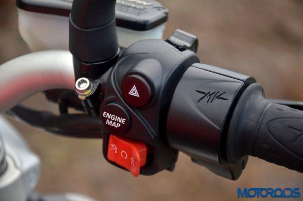 2017-MV-Agusta-Brutale-800-Detailed-Shots-13-600x398