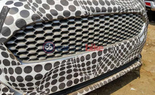 2018-Ford-Figo-Facelift-Test-Mule-Reveals-Exterior-Design-Upgrades-2-600x370