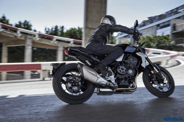 2018-Honda-CB1000R-22-600x400