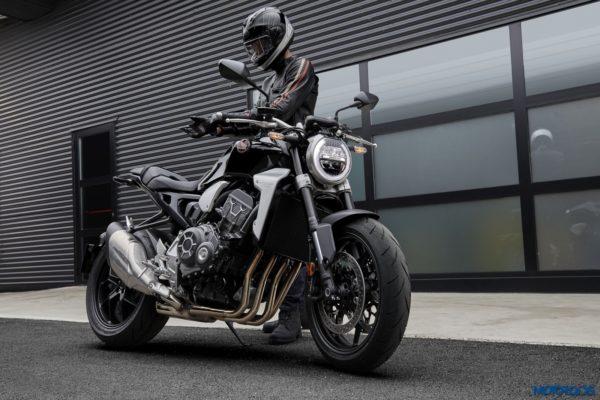 2018-Honda-CB1000R-25-600x400