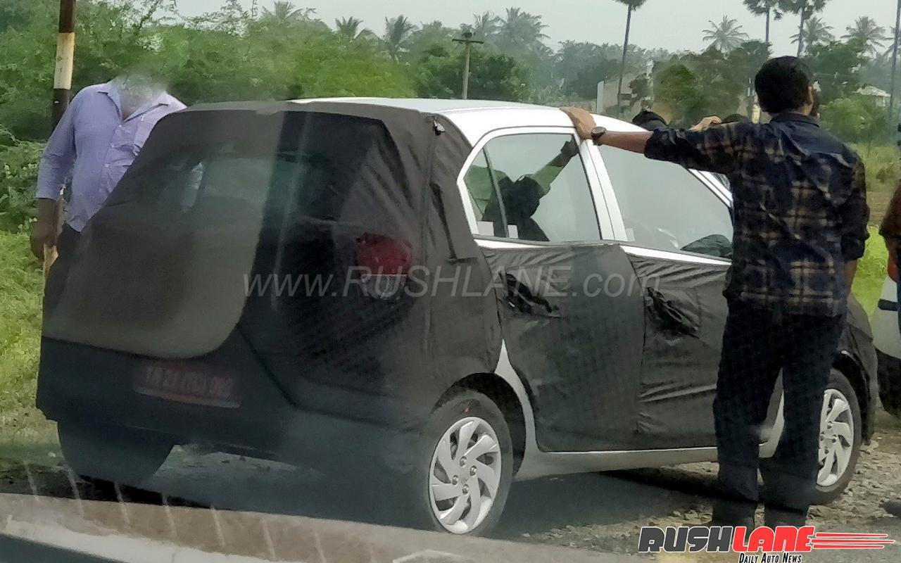 Hyundai Santro Spotted In India