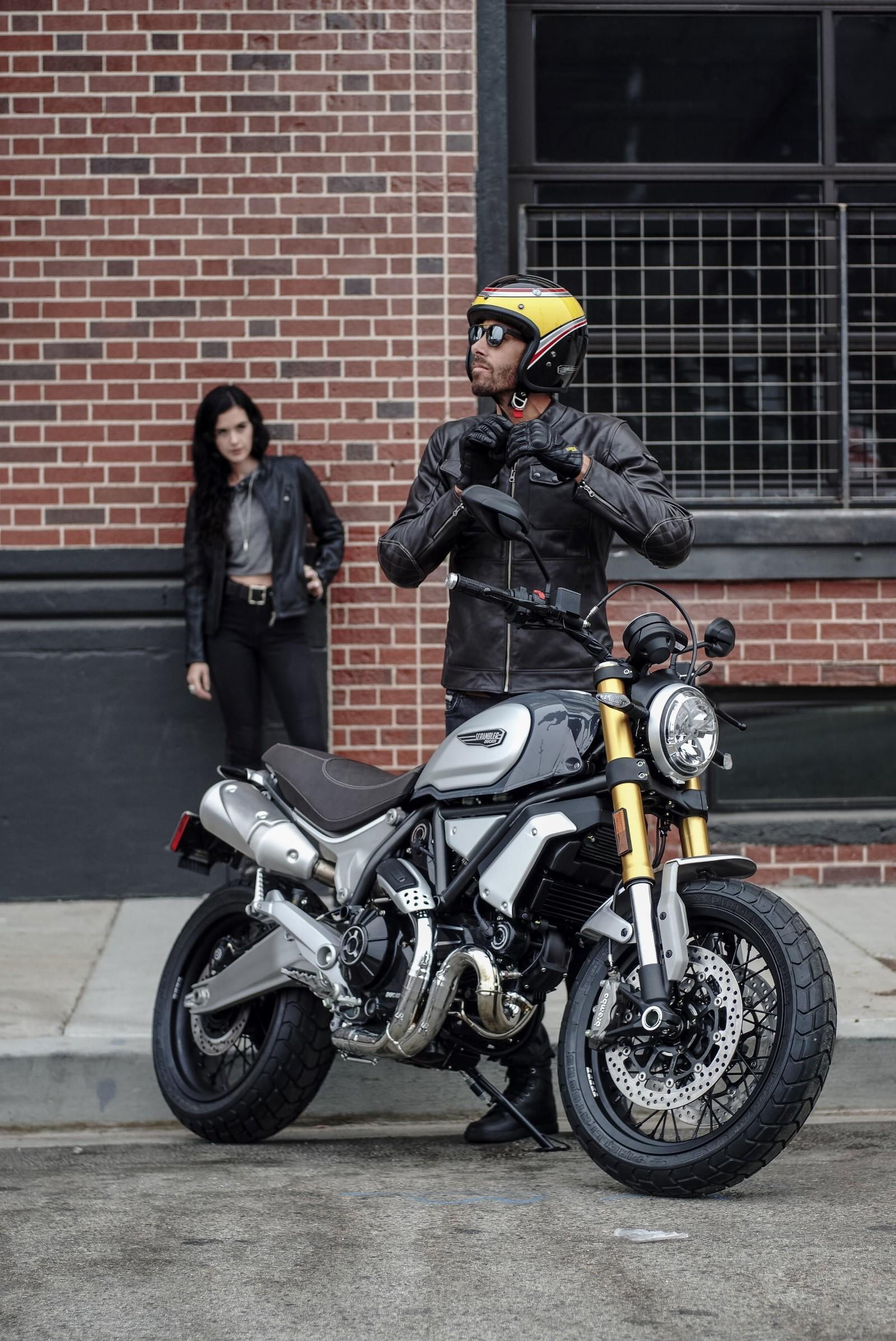 new 2018 ducati scrambler 1100 revealed specs features. Black Bedroom Furniture Sets. Home Design Ideas
