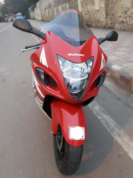 Hero-MotoCorp-Xtreme-Suzuki-Hayabusa-Replica-4-450x600