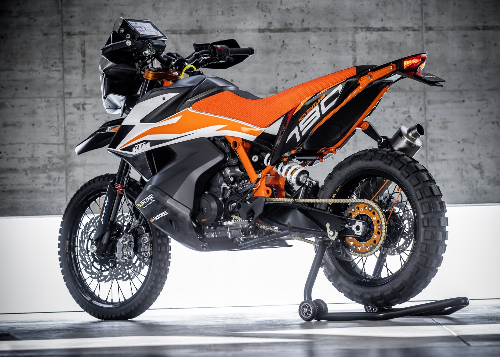 new ktm 790 adventure r features tech specs image. Black Bedroom Furniture Sets. Home Design Ideas