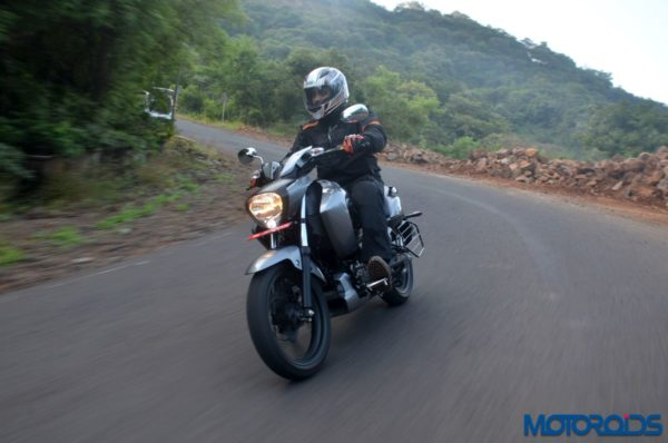 New-2017-Suzuki-Intruder-150-Action-Shots-12-600x398
