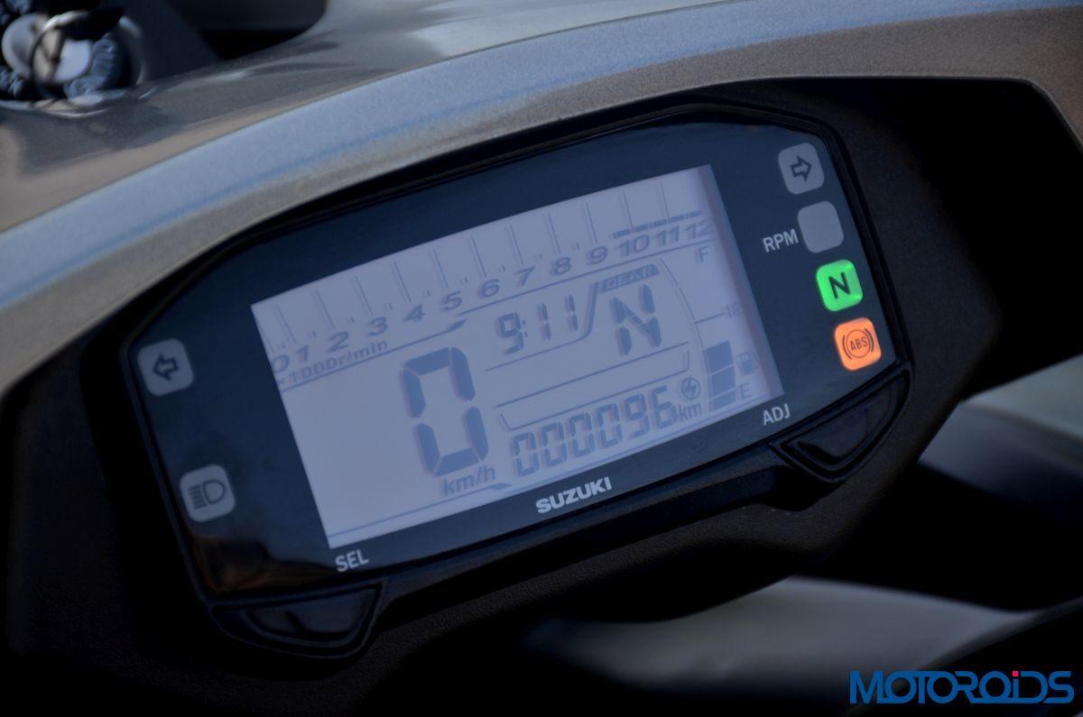 New 2017 Suzuki Intruder 150 – Detail Shots (23)