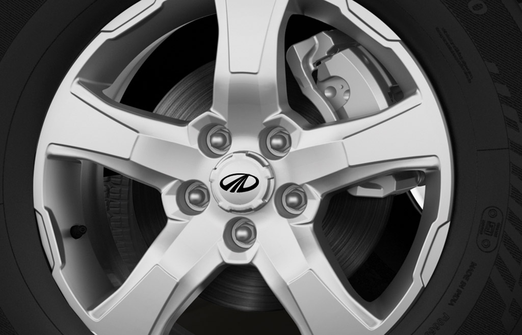 November 14, 2017-New-2018-Mahindra-Scorpio-alloy-wheel-pattern.jpg