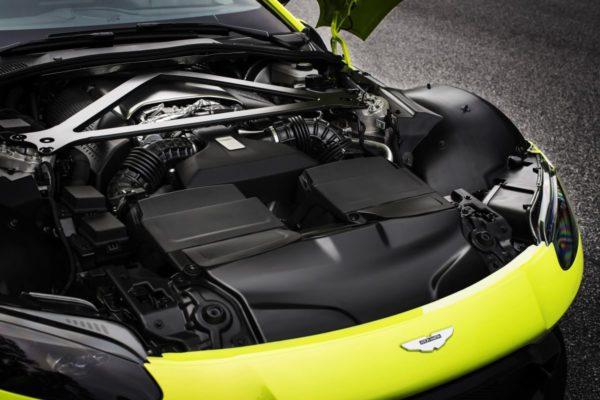 New-Aston-Martin-Vantage-23-600x400
