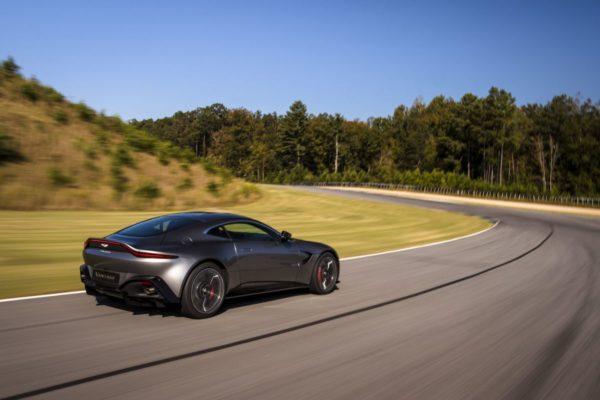 New-Aston-Martin-Vantage-30-600x400
