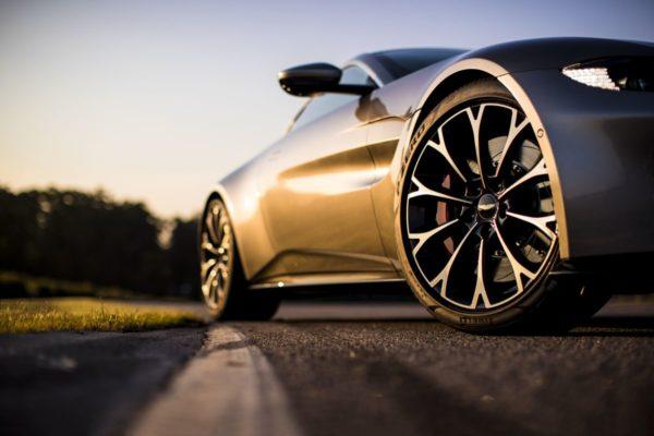 New-Aston-Martin-Vantage-42-600x400