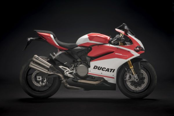 New-Ducati-959-Panigale-Corse-1-600x400