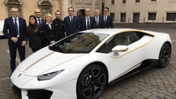 Unique Lamborghini Huracán RWD By Ad Personam Donated To Pope Francis (5)