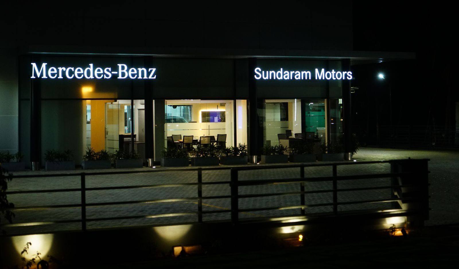 Mercedes benz strengthens its after sales network in south for Mercedes benz salesman requirements