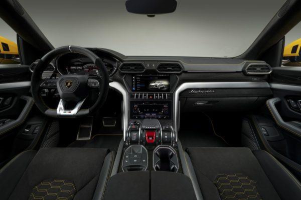 December 7, 2017-New-Lamborghini-Urus-Unveiled-20-600x400.jpg