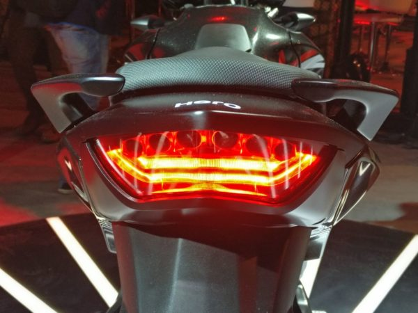 Hero-Xtreme-200R-LED-taillight-13-600x450