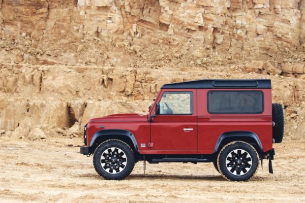 Land-Rover-Classic-Defender-Works-V8-9-600x400