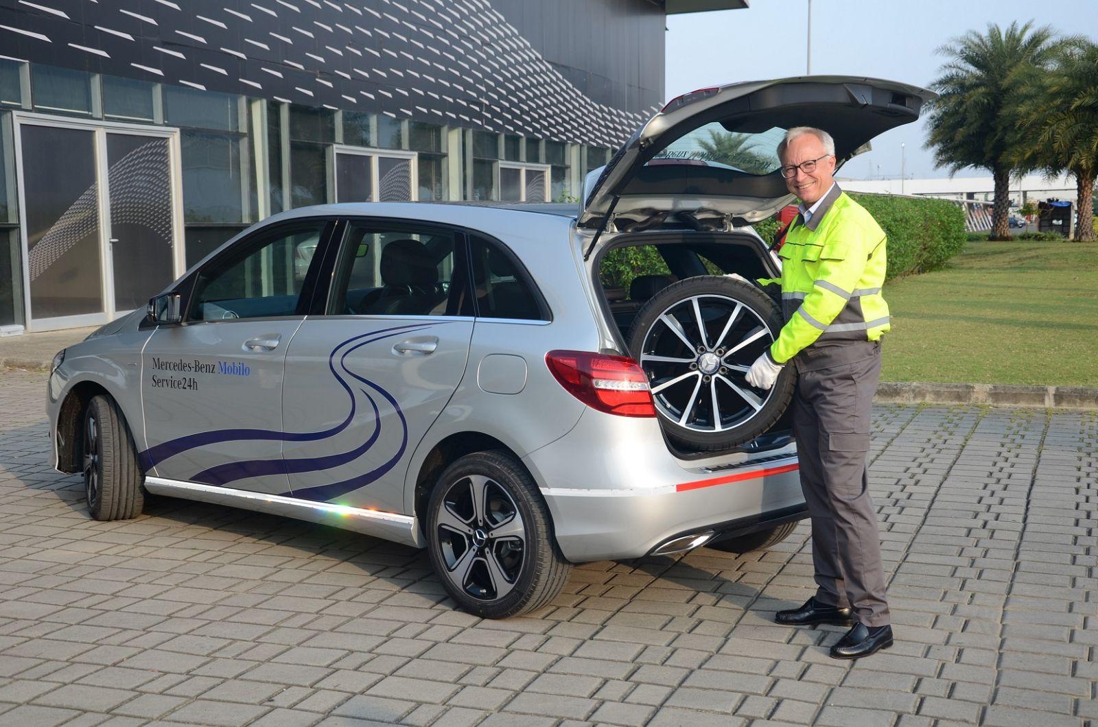 Mercedes benz india launches mobilo a 24x7 customer for Mercedes benz roadside service