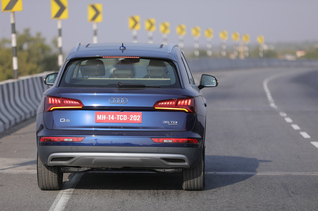 New-2018-Audi-Q5-India-tail-lamps