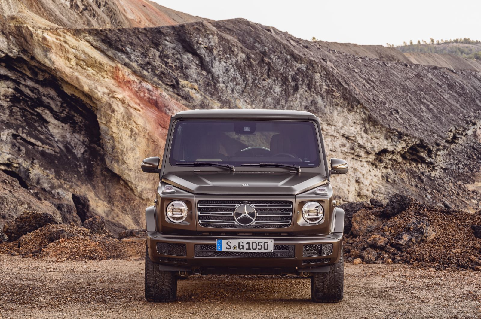 New 2018 Mercedes-Benz G-Class Unveiled : All Details