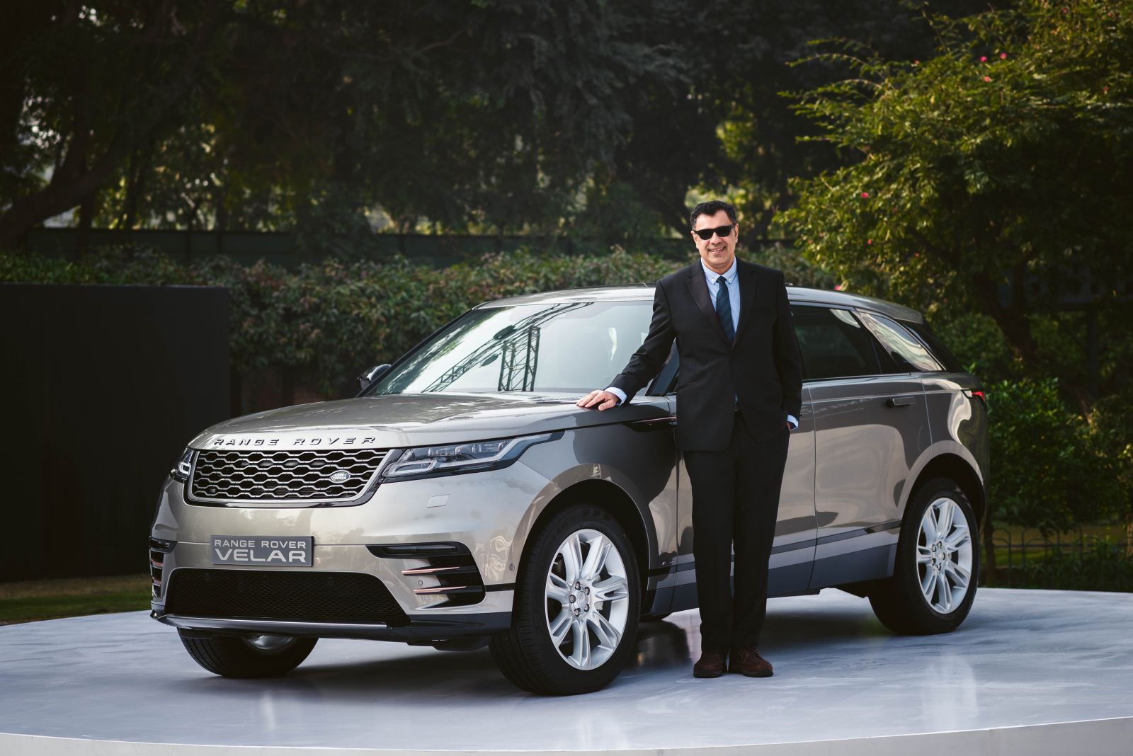 new 2018 range rover velar launched in india priced at. Black Bedroom Furniture Sets. Home Design Ideas