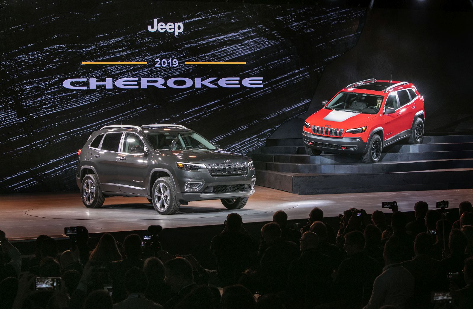 New 2019 Jeep Cherokee Debuts At The 2018 Detroit Auto ...