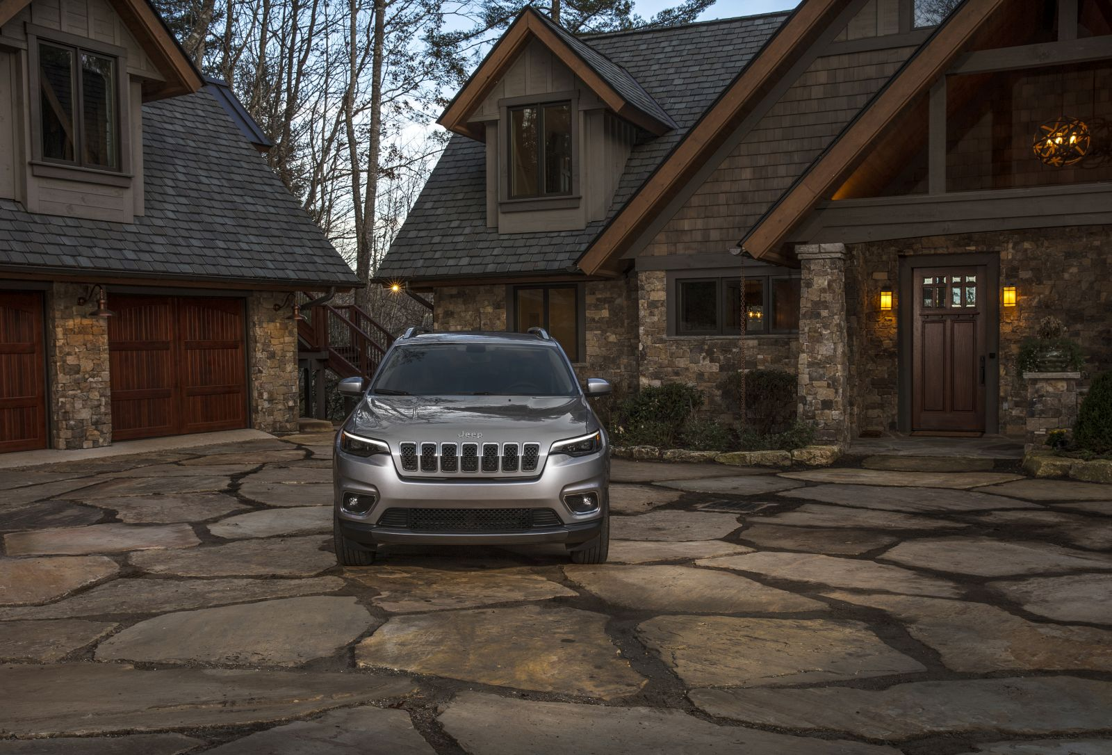 Jeep Cherokee Updates Appearance, Adds Turbo Engine