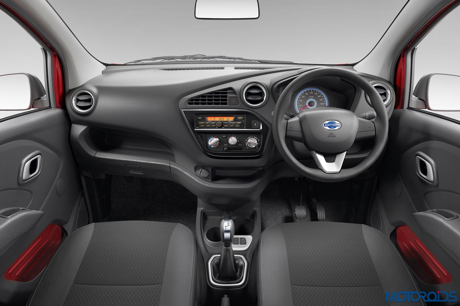 The-new-Datsun-redi-GO-Smart-Drive-Auto-comes-with-exciting-new-features-Dual-Driving-Mode-Rush-Hour-Mode