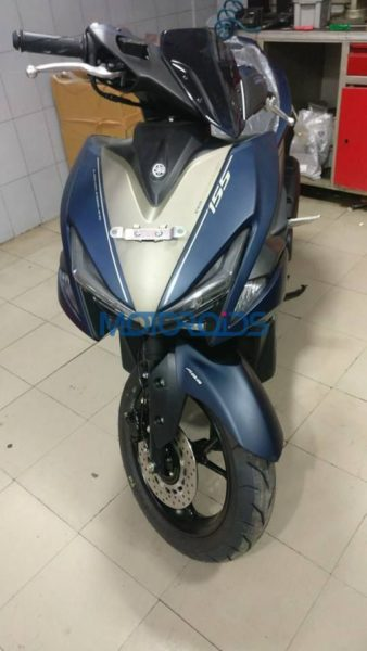 Yamaha-Aerox-155-Reportedly-Spotted-In-India-3-338x600