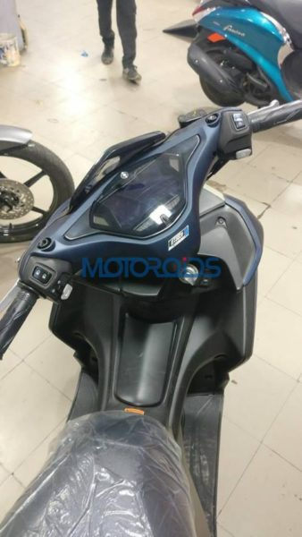 Yamaha-Aerox-155-Reportedly-Spotted-In-India-5-338x600