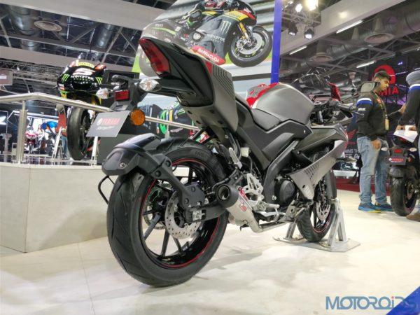 2018-Yamaha-R15-V3-Daytona-Kit-5-600x450