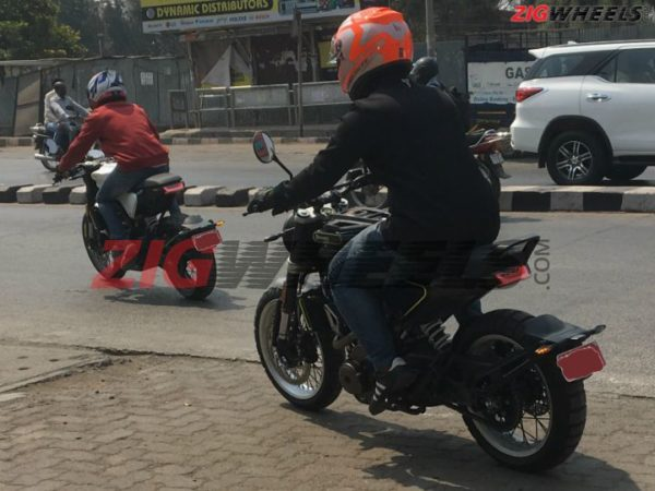 Husqvarna Svartpilen 401 And Vitpilen 401 Spied In India (3)