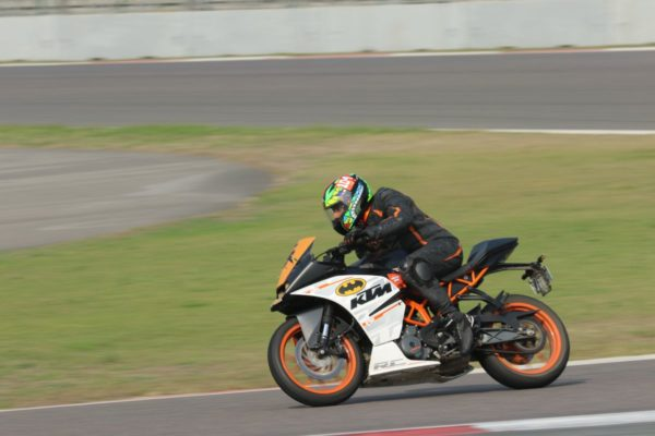 KTM Organizes Track Day At Buddh International Circuit (2)
