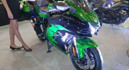 Kawasaki Ninja H2 SX & Special Edition H2 SX SE 013