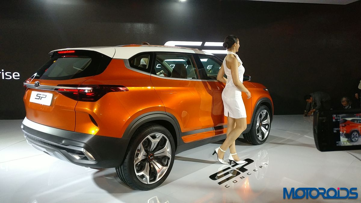 Maruti unveils ConceptFutureS, breaks from conventional compact auto design