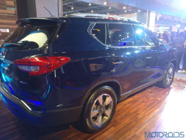 Mahindra-G4-Rexton-at-the-2018-Auto-Expo-26-600x450