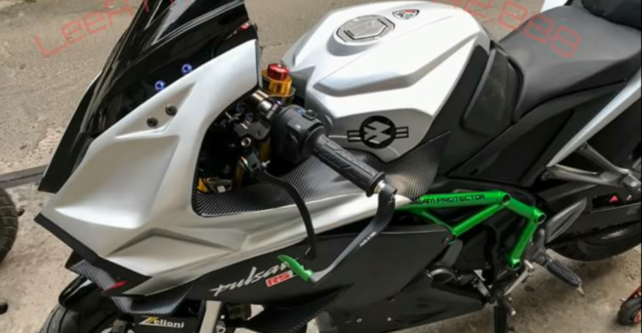 Modified Bajaj Pulsar RS200 From Vietnam Tries To Look Like