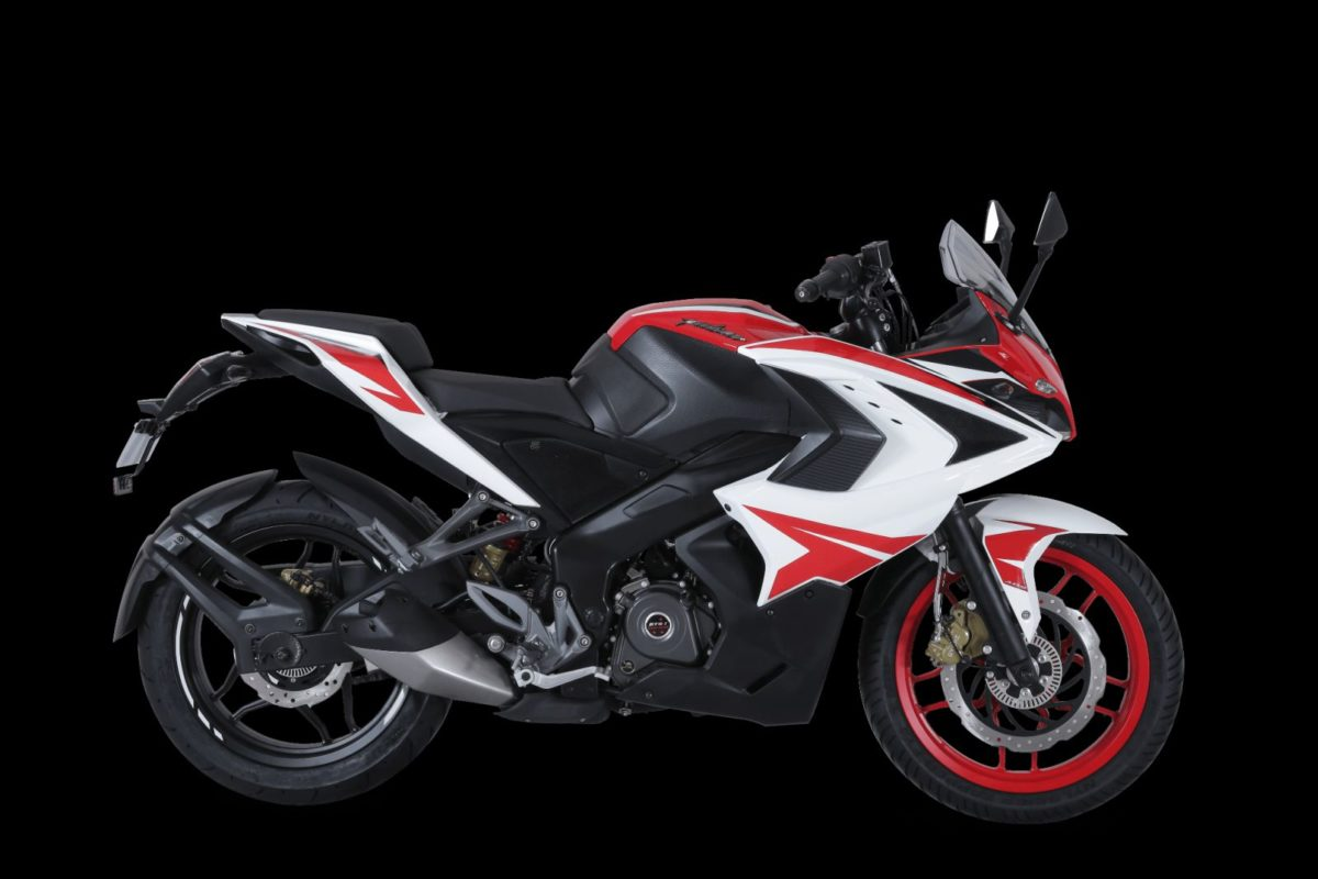 Pulsar RS200 – Racing Red (2)