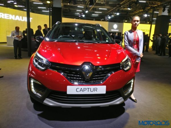 Renault Captur Radiant Red Front Shot