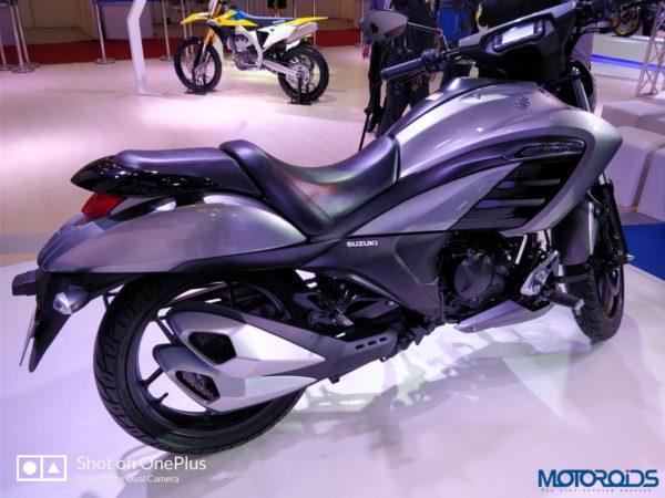 Suzuki-Intruder-Fi-002-600x450