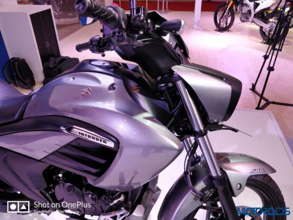 Suzuki-Intruder-Fi-006-600x450
