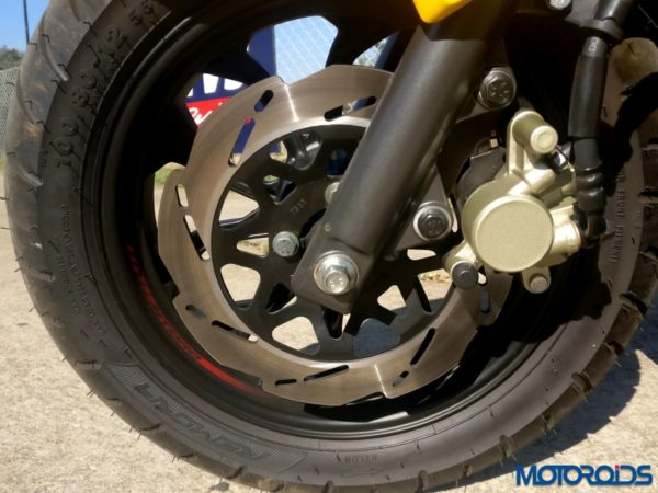 TVS NTORQ 125: Standard front disc brake works very well. Varrrrry Naaicceee