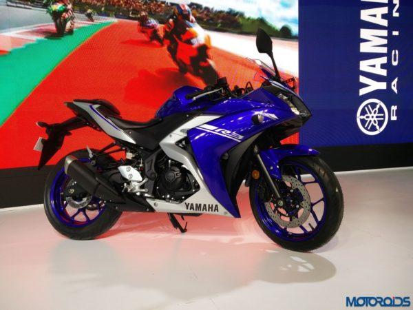 Yamaha-YZF-R3-At-Auto-Expo-2018-13-600x450