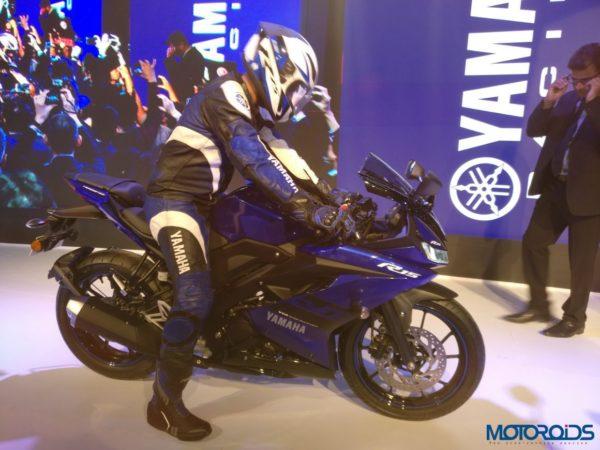 Yamaha r15 023