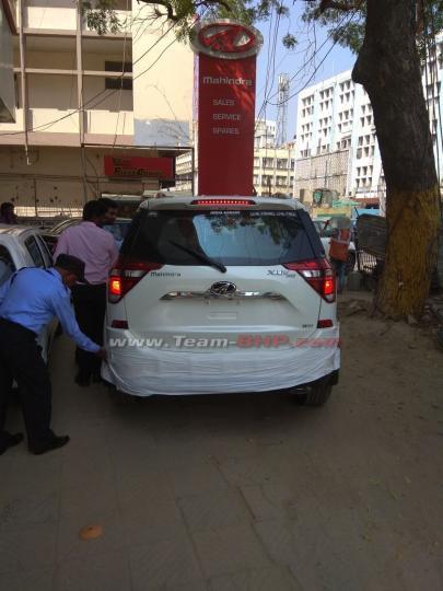 2018 Mahindra XUV500 facelift (1)