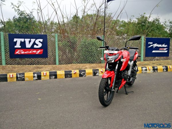 New 2018 TVS Apache RTR160 4V Review (2)
